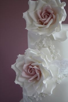 Signature large rose by Tracy James of Cotton & Crumbs.