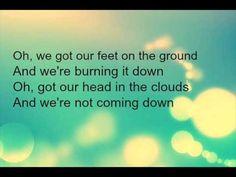 Alicia Keys - Girl On Fire ( lyrics )