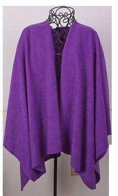 FLEECE WRAP--link is in pattern section on site. Also has a pattern for a fleece HAT. Diy Clothing, Sewing Clothes, Clothing Patterns, Sewing Patterns, Knit Patterns, Fleece Crafts, Fleece Projects, Fleece Poncho, Fleece Blankets