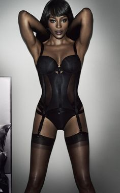 Naomi Campbell models Yamamay I Am Noaomi Campbell lingerie collection