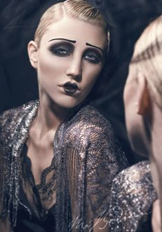 Eight Sexy Circus Makeup IdeasYou can find Theatre makeup and more on our website.Eight Sexy Circus Makeup Ideas 1920 Makeup, Vintage Makeup, Vintage Beauty, Makeup Art, 1920s Makeup Gatsby, 1920s Inspired Makeup, Art Deco Makeup, Eye Makeup, Movie Makeup
