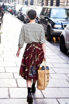 2 Romantic Ways To Pair A Striped Tee And Floral Midi Skirt