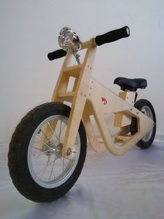 Official foto of the balanced bike by Martin's Designs.