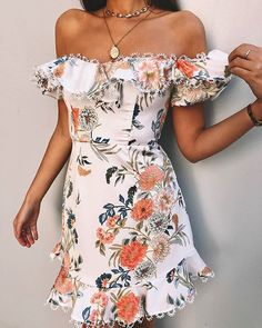This playsuit is so dreamy! 💫✨ From link to this playsuit in my story (SWIPE) Bohemian Gypsy, Gypsy Style, Outfit Goals, Outfit Ideas, Brunch Outfit, Playsuit, Party Dress, Girl Outfits, Style