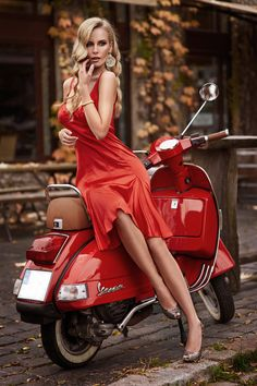 trautmans-legs:  Classy and elegant woman in a red dress and with great legs  :-)