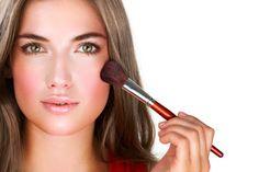 A maquilhagem é uma das áreas da cosmética que mais inseguranças suscita . Por isso , hoje part...