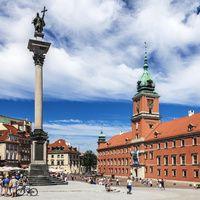 Hasta hace poco Varsovia era la indiferente de Europa, una ciudad que no pertenecía ni al este ni al oeste, en medio de mil disputas Estos 10 argumentos que demuestran que Varsovia no es una ciudad fea. www.turismoeuropeo.es