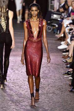 Julien Macdonald Spring/Summer 2016 | Fashion, Trends, Beauty Tips & Celebrity Style Magazine | ELLE UK
