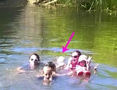 Real Paranormal Images Scare You Out Of Your Senses - FlushFeed Ghost Images, Ghost Pictures, Creepy Pictures, Ghost Pics, Creepy Stories, Ghost Stories, Ghost Hauntings, Paranormal Photos, Real Ghosts
