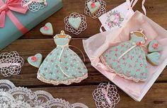 ....—Что же из этого следует? —Следует Шить! Шить сарафаны и легкие платья из ситца... #медовыепряники #подаркидлялюбимых