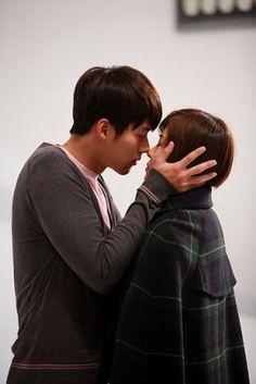 My fave couple Hyun Bin and Ha Ji Won! Secret Garden Korean, Secret Garden Kdrama, Joo Won, Hyun Bin, Korean Drama Movies, Korean Dramas, Playful Kiss, Ha Ji Won, Drama Film