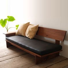 Wood and leather Japanese bench Wood Sofa, Furniture Design, Diy Sofa, Furniture Decor, Sofa Design, Furniture, Simple Furniture, Portable Furniture, Flexible Furniture