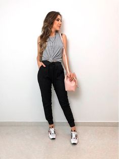 everyday outfits for moms,everyday outfits simple,everyday outfits casual,everyday outfits for women Cute Casual Outfits, Sporty Outfits, New Outfits, Spring Outfits, Fashion Outfits, Womens Fashion, How To Wear Leggings, Leggings Store, Mode Blog