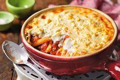 """Jakie danie kryje się pod tajemniczą nazwą """"pastitsio""""? Zobacz, jak przygotować grecką zapiekankę z makaronem! Przepis na stronie Kuchni Lidla!"""