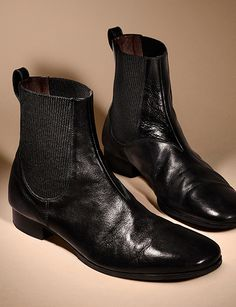 Refined leather Chelsea boots from the Burberry A/W13 men's accessories collection