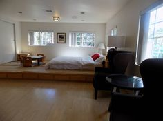 Entire home/apt in Arcadia, United States. Lovely private studio back house located in the quiet neighborhoods of Arcadia. Perfect for solo, friends, or couples to share. Furnished with a king sized bed, enjoy a peaceful night's sleep in our residential neighborhood while still being close...