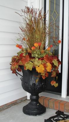 Easy Fall Planters for Decoration Buy It Today> LED Stick Figure Kit -- Buy 2 Get OFF (Code: Incredible Fall Door Decoration To Improve Your Porch View 05 45 Brilliant Fall Planters Outdoor Ideas For Awesome Home Front Fall Flower Pots, Fall Flowers, Flowers Garden, Planters Flowers, Summer Flowers, Diy Flowers, Scarecrows For Garden, Pumpkin Planter, Fall Floral Arrangements