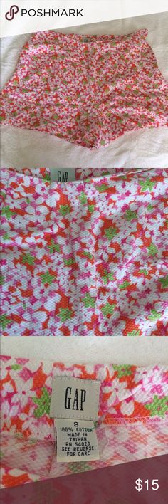 Gap floral short shorts. Size 8 Gap shorts. Orange, white, green and pink floral shorts. GAP Shorts