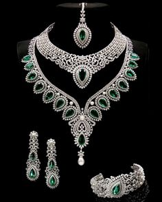 Indian jewelry set, diamond and emerald jewelery Emerald Jewelry, Diamond Jewelry, Emerald Diamond, Gold Jewellery, Jewellery Photo, Silver Jewelry, Silver Rings, Jewellery Sale, Diamond Necklaces