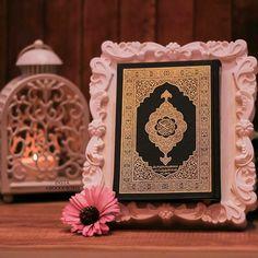 "إنني أنا الله لا إله إلا أنا فاعبدني وأقم الصلاة لذكري ""Indeed, I am Allah . There is no deity except me, so worship me and establish prayer for My remembrance."" [Al-Qur'an Surah 20 Ayah 14] Quran Wallpaper, Mecca Wallpaper, Islamic Wallpaper, Islamic Images, Islamic Pictures, Islamic Art, Ramadan, Le Noble Coran, Lockscreen Iphone Quotes"