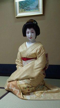 Geiko Tomoyuki