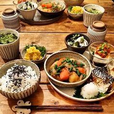 日本人のごはん Japanese meals わあ〜 おいしそ〜(^T^;) Japanese Dinner, Japanese Food, Asian Recipes, Healthy Recipes, Food Combining, Food Design, Food Plating, Soul Food, Food To Make