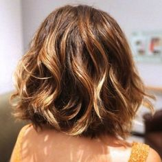 femme de dos coupe wob Plus Ombre Bob Hair, Best Ombre Hair, Ombre Hair Color, Really Short Hair, Short Wavy Hair, Short Ombre, Short Bob Haircuts, Long Bob Hairstyles, Make Up Black