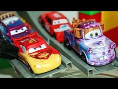 Машинки Меняют Цвет - Water Toys 5 Color Changers Cars 2 Raoul Caroule Mcqueen Colour Water Toys - YouTube