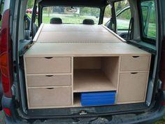 kangoo 008 // lit pliable en 3 et plaque cuisson ds le meuble ?