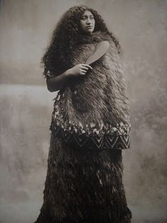 New Zealand, Maori Woman Vintage Old Pictures, Old Photos, Vintage Photographs, Vintage Photos, Polynesian People, Maori People, Maori Designs, Maori Art, Black History Facts