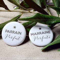 Set of 2 badges baptism ceremony perfect godmother gift / sponsor perfect star gray gift personalized set of 2 Baptism Gifts, Christening Gifts, Christening Outfit Girl, Personalized Baby Gifts, Handmade Gifts, Godmother Gifts, The Godfather, Communion, Christmas Gifts