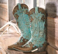 Being from Texas, cowboy boots are close to my heart. I really love the turquoise and brown combination!