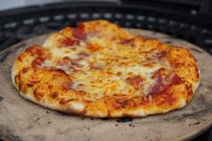 Instructions: the perfect pizza from the grill – grill-guru. Sandwich Bread Recipes, Veggie Sandwich, Deli Sandwiches, Turkey Sandwiches, Quiche, Sandwich Pictures, Greek Pizza, Sauce Pizza, Perfect Pizza