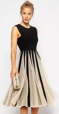 We're catching your eye and we're not even sorry. Cuz we believe it is necessary for you to  spend your time taking a look at the elegant fashion dresses. It features color block design,round neckline,sleeveless and cutout back.Find it at OASAP! #beautydresses