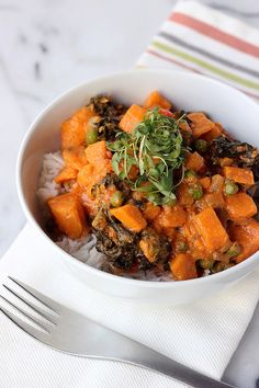 30-Minute Sweet Potato and Kale Coconut Curry {Gluten-free and Vegan}, great served over rice or over cauliflower rice to make paleo. // Tasty Yummies