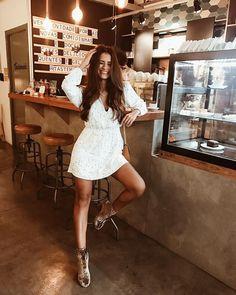 Looks estilosos com vestido branco. Instagram: @viihrocha