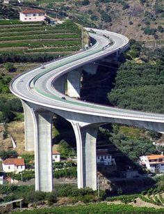 Bridges Architecture, Futuristic Architecture, Amazing Architecture, Beautiful Roads, Beautiful Places, Ing Civil, Scary Bridges, Bridge Engineering, Bridge Construction