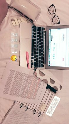 Ghina - You are in the right place about studying motivation pictures Here we offer Study Organization, School Study Tips, Pretty Notes, Study Desk, Study Space, Study Hard, School Notes, Instagram Story Ideas, Study Notes