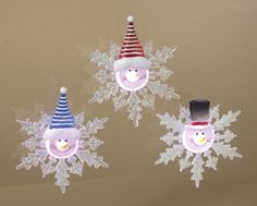 Assorted LED Snowman on Snowflake Window Suctions Apply these cute LED lighted snowmen to the windows in your car, home or work to brighten up any space with sweet holiday cheer! Light changes colors in a steady rotation of color. On/off switch to s Christmas Ornament Crafts, Snowman Crafts, Christmas Crafts For Kids, Diy Christmas Gifts, Christmas Projects, Handmade Christmas, Holiday Crafts, Christmas Holidays, Christmas Decorations