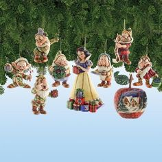Jim Shore Disney Traditions - Snow White  7 Dwarfs Ornament Set by Jim Shore, http://www.amazon.com/dp/B002Y5UG08/ref=cm_sw_r_pi_dp_kwbcrb1TX82B4