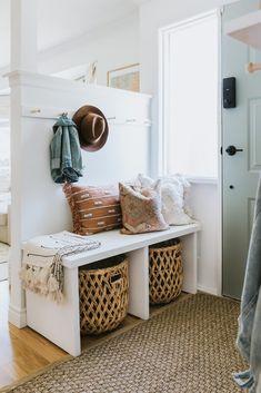 Diy Bank, Making A Bench, Easy Diy, Simple Diy, Simple Home, Home Living, Living Room, Home Decor Inspiration, Home Decor Ideas