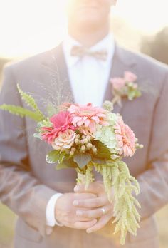 Okay, so I made me bouquet already, but this is lovely inspiration to make another! lol