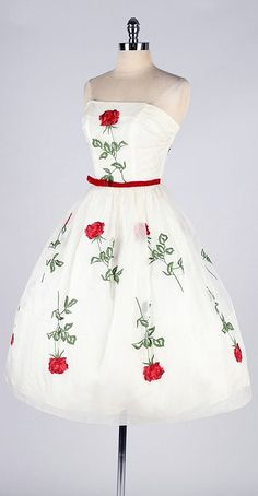 Vintage 1950s Rose dress www.vintageclothin.com
