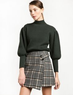 Green Balloon Sleeve Sweater Made by acrylic, woolModel is wearing a size small and model's height is Street Style 2016, Trendy Tops For Women, Mod Fashion, Sweater Making, Cute Shirts, Winter Outfits, Knitwear, Mini Skirts, Balloon