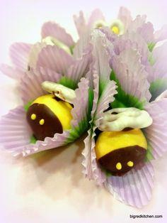 Bumblebee Chocolate Covered Strawberries