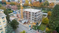 Mehrfamilienhaus mit drei Attika-Eigentumswohnungen und acht Mietwohnungen An äusserst zentraler Wohnlage in Neuhausen entsteht die Wohnüberbauung «zum Rosenpark». Das sich im Bau befindliche Neubauprojekt bietet Ihnen insgesamt drei 3.5 Zimmer Attika-Eigentumswohnungen sowie acht 3.5 Zimmerwohnungen welche zur Miete angeboten werden. Euer Neubauprojekte.ch - TEAM . . #neubau #neubauprojekt #eigentumswohnungen #mietwohnungen #erstbezug #erstvermietung #attika #ritterimmobilien Condominium