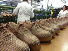 Dea Group al controllo qualità per Giorgio Armani shoes.  L'esperienza di maestri artigiani come garanzia di alta qualità Italiana. #italianshoes #madeinitaly #scarpeitaliane