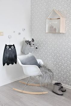 Shades of grey kids room as seen on Mitt og vårt hjem: Jenterommene Baby Bedroom, Nursery Room, Girls Bedroom, Deco Kids, Nursery Inspiration, Nursery Ideas, Bedroom Ideas, Kids Decor, Home Decor