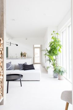 Sormus,-Kenno- and Polku-cushion covers Living Room Lounge, Cozy Living Rooms, Home Living Room, Living Room Decor, Living Spaces, Dining Rooms, Nordic Interior Design, Interior Design Images, Hay Design