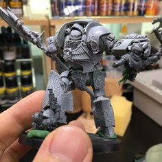 LEGIO CUSTODES CONTEMPTOR-ACHILLUS DREADNOUGHT wip :) Stmaping and slashing chaos cultists!